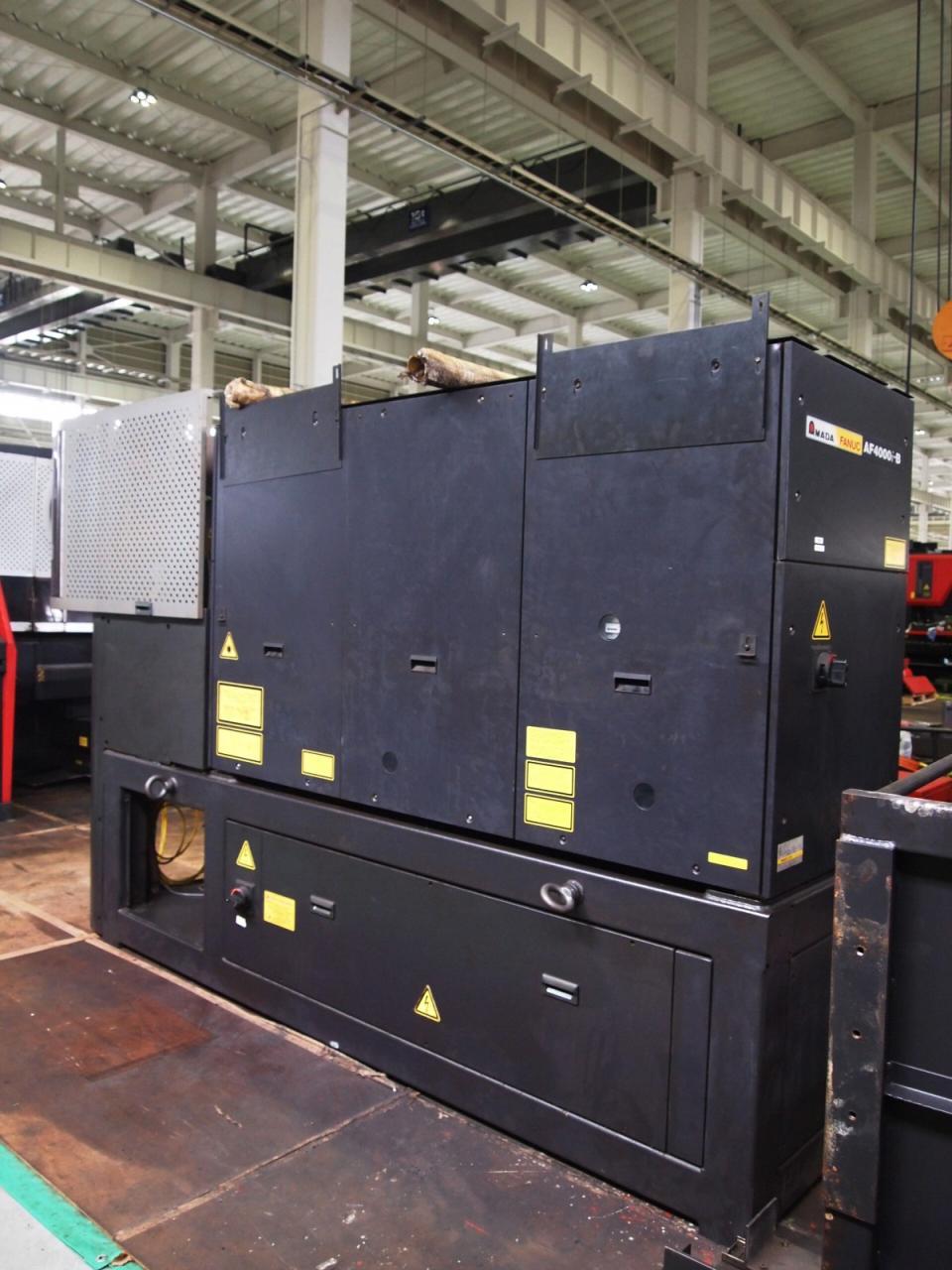 EML-3510NT本体背面・発振器