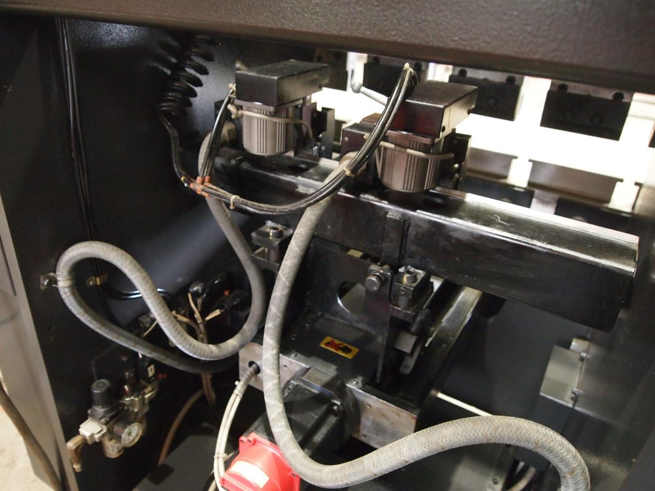 FMB-208本体背面・バックゲージ突き当て