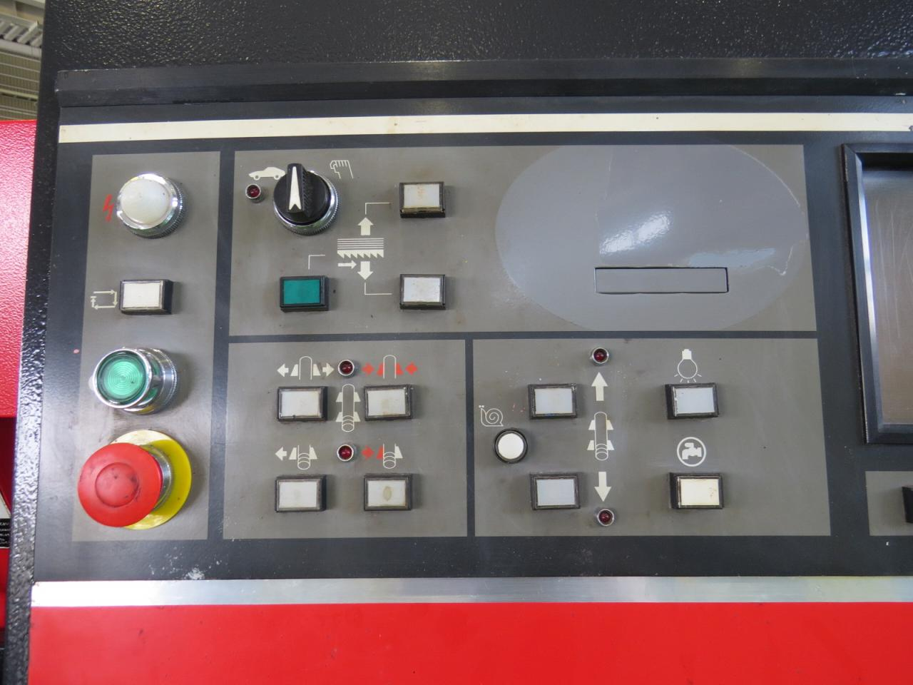 HFA-500CNC操作盤アップ
