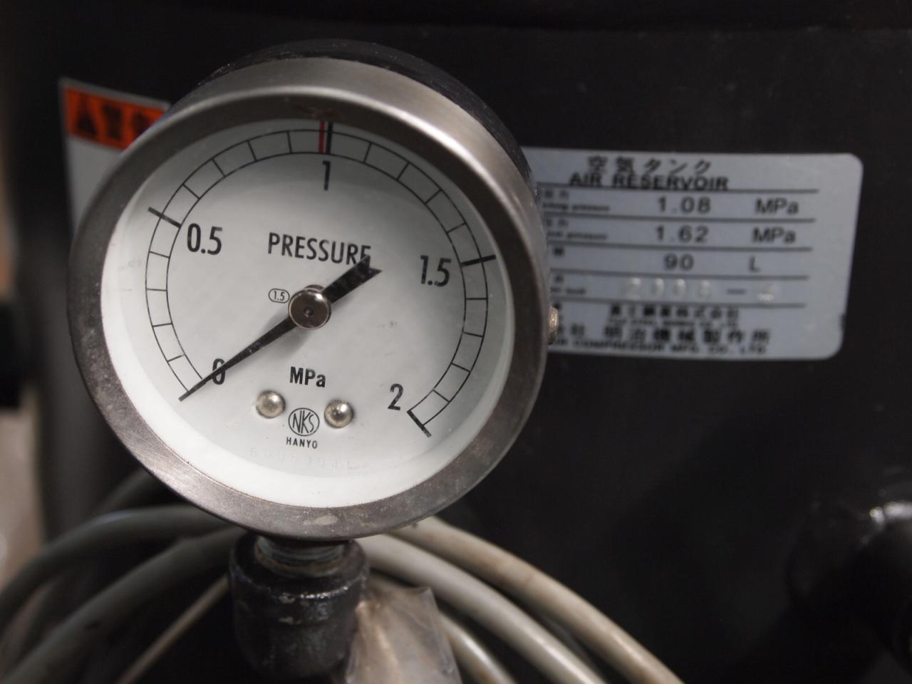 GB3748A-186付属のエアタンクのメーター